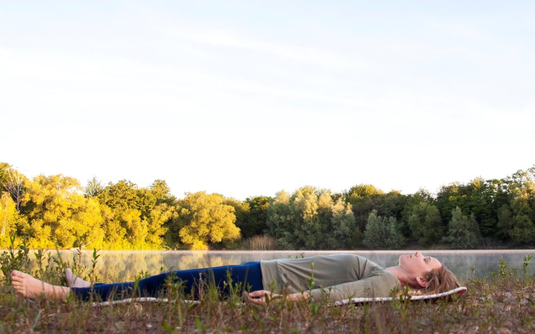 Entspanntes Nervensystem – glücklicher Mensch
